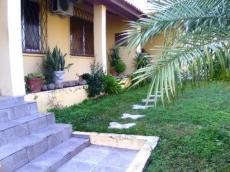 Casa Em Nonoai Com 4 Dormitórios - Mi12452