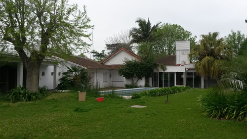 Casa En Venta En City Bell 473 Y 15