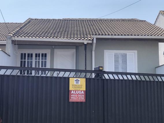 Alugo Casa Com 2 Quartos Sala Coz. Garagem 2 Carros Quintal