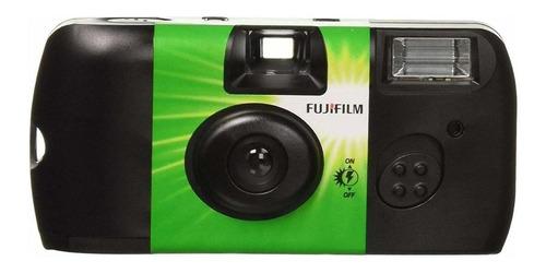 Imagen 1 de 1 de Cámara desechable Fujifilm QuickSnap Flash 400 negra/verde