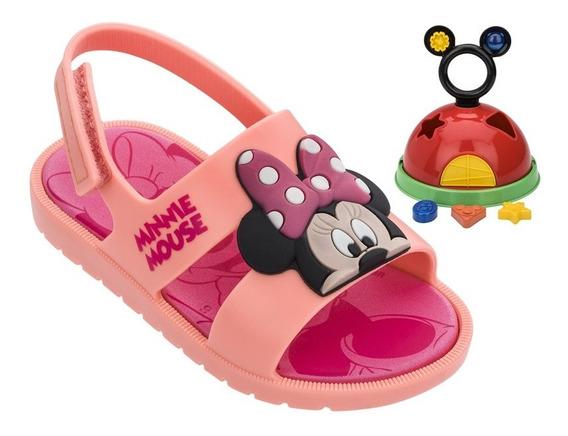 Sandália Infantil Para Bebê Minnie E Mickey Mouse Acompanha Brinquedo Brinde Grendene Kids Fechamento Em Velcro Conforto