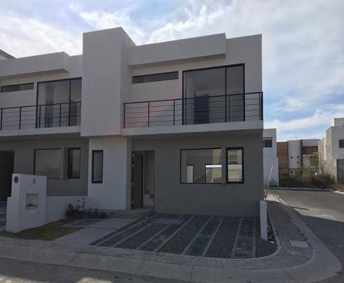 Excelente Casa De Oportunidad En San Isidro Juriquilla