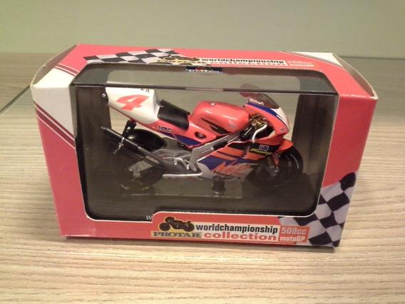 Miniatura Honda Nsr 500 Mike Doohan 4 Italeri 1:22 (9,5 Cm)