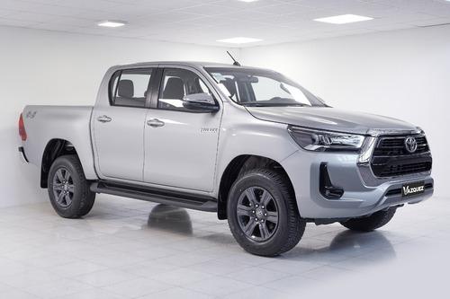 Toyota Hilux 4x4 Cd Srv 2.8 Tdi Mt My21 0km