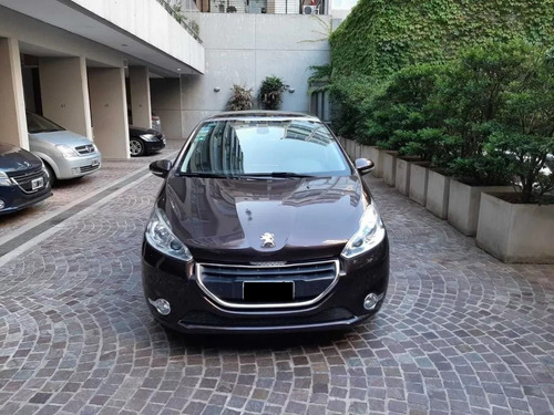 Peugeot 208 2013 Felline
