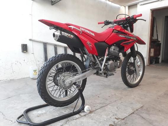 Vendo/ Permuto Honda Tornado 250cc. Mod 2011