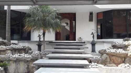 Preciosa Residencia En Venta En Colinas Del Bosque