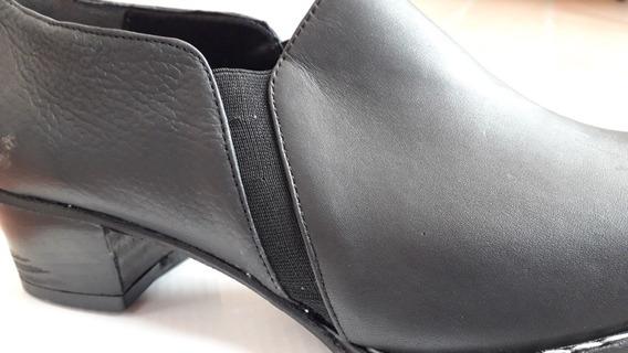 Zapatos De Cuero Color Negros N°40.