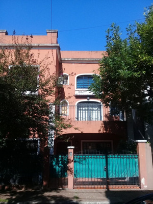 Excelente Casa 5 Amb. En 3 Plantas S/ Lote Propio