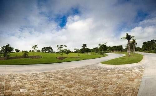 Terreno Sobre Av. Del Jaguar En Country Club Yucatan