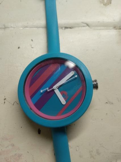 Relógio Uatt ? Diferente