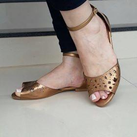 Sandália Feminina Rasteira Bronze Via Scarpa