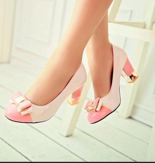 Sapato Feminino Bi Color Em Verniz Detalhe Dourado Salto Baixo Robusto