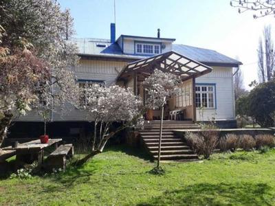 Amplia Casa Con Terreno Agrícola