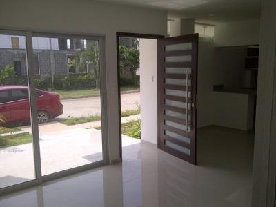 Vendo Casa De Dos Pisos-b/ La Castellana- Montería