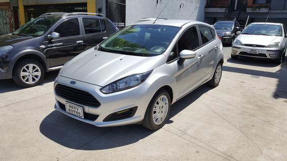 Ford Fiesta Kinetic Design 1.6 S Plus 2016 Km 45000 Gris