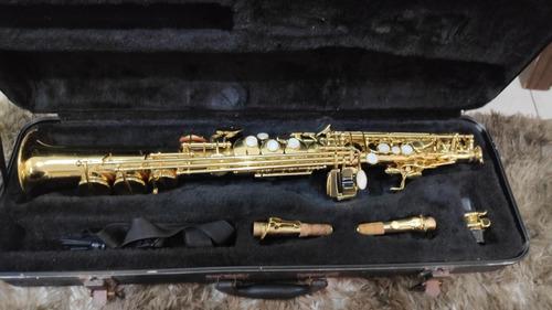 Saxofone Sib Soprano Spalla Reto Dourado Completo