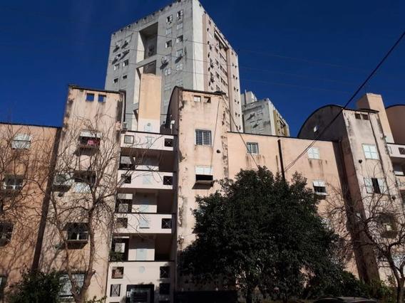 Departamento De Dos Dormitorios En B° Altos De San Martín