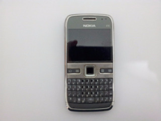 Celular E 72