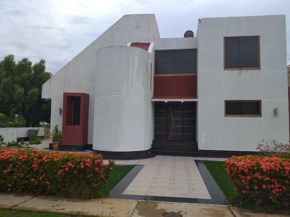 Hermosa Casa Con Excelente Ambiente