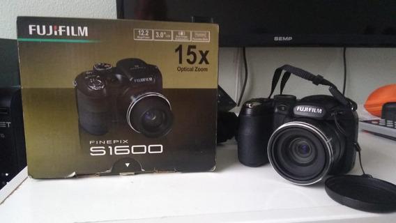 Câmera Fotográfica Semi - Profissional