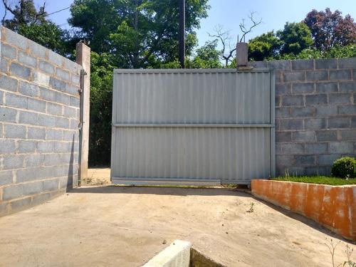 Imagem 1 de 14 de Mini Chácara  Bem Localizada / 3 Dorms / Quintal E Garagem .