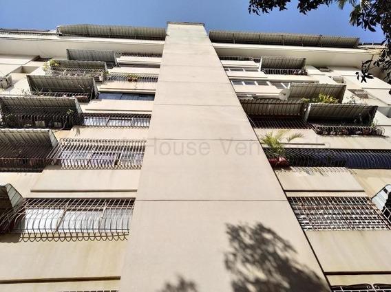 Apartamento En Venta Prebo I Valencia Cod 20-9043 Ar