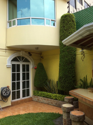 Casa De Gran Lujo En Jardines Del Sur