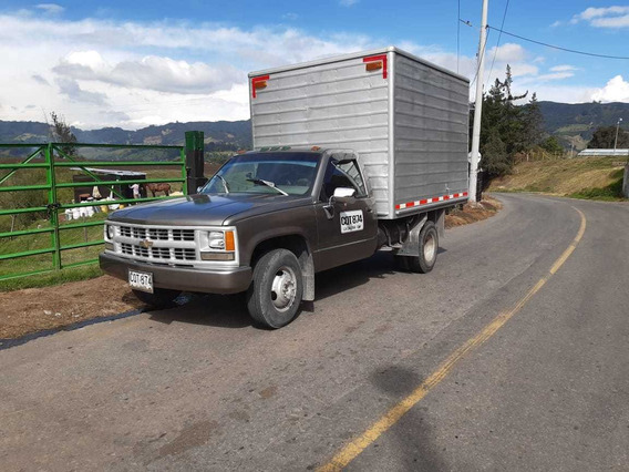 Camioneta Chevrolet Cheyenne Furgónes 3500 Gas-gasolina