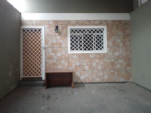 Sobrado 2 Dorms, 1 Banh, 1 Lavabo,  2 Vg - Fl45