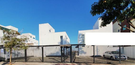 Casa Geminada Duplex Coletiva, Com 02 Quartos 01 Vaga Livre - Bairro Planalto - Adr4419