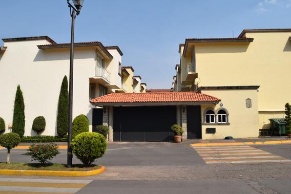 Casa En Venta. Interlomas