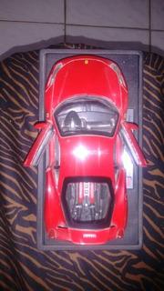 Miniatura De Ferrari