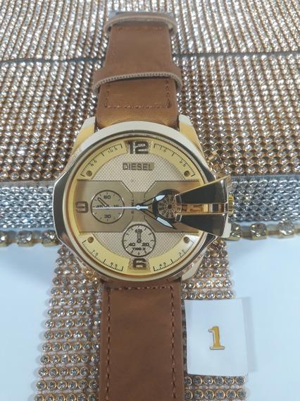 Relógio Masculino Grande Dourado - Pulseira Couro Sintético.