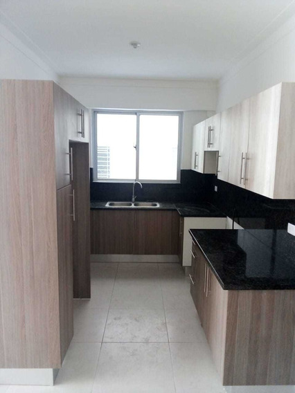 Apartamento De 3 Habitaciones Con Terraza En El Millon