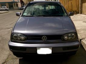Volkswagen Golf 1.8 Año 1996 Morado 4 Puertas