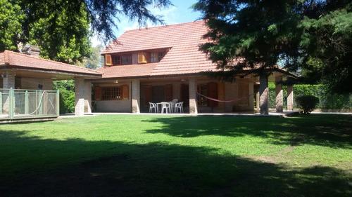 Casa Quinta 5 Ambientes En Barrio El Trebol