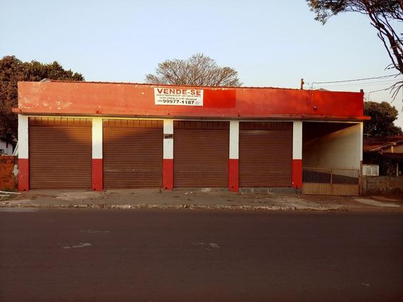 Vende-se Terreno De600mts, Com Salão Comercial.