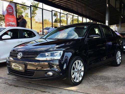 Imagem 1 de 11 de Volkswagen Jetta 2.0 Comfortline Flex 4p Tiptronic