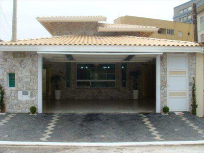 Casa Nova De 3 Dormitorios, Acabamento De Primeira, Proximo A Praia !! - V10469