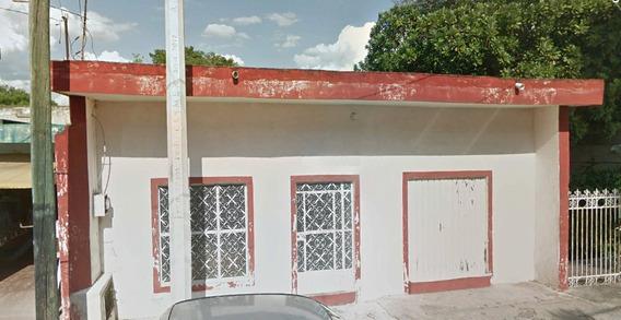 Casa En Venta En El Barrio De Santiago, Merida, Yucatan