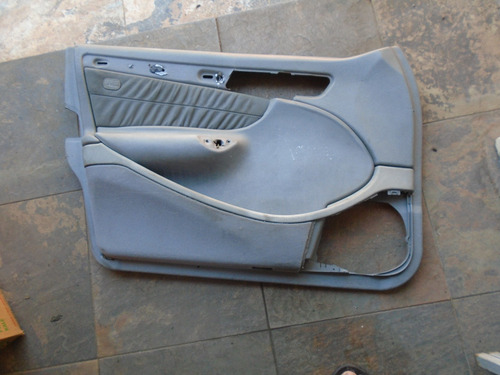 Imagen 1 de 2 de Vendo Tapicería Delantera Izquierdo De Mercedes Benz C240