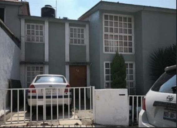 Hermosa Casa Fuentes De Satelite