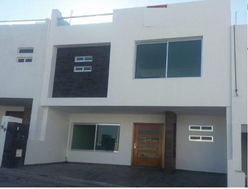 Hermosa Residencia En Milenio Iii, Privada, Alberca, 3 Niveles, Roof Garden