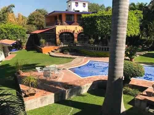Casa Sola En Pedregal De Las Fuentes / Jiutepec - Ber-593-cs