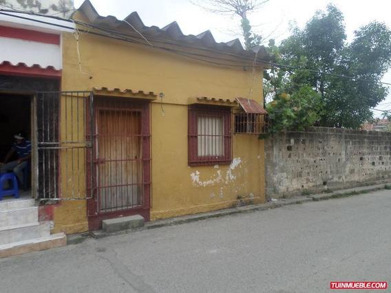 Casa En Venta - Casco Central Tucacas