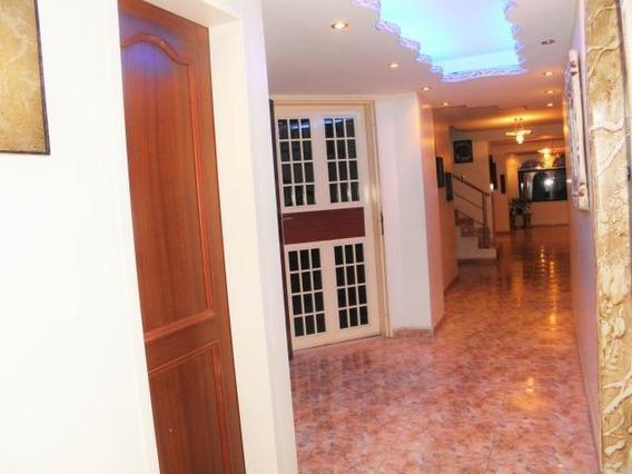 Pent-house En Venta En La Soledad Cdg-20-16325, Lav