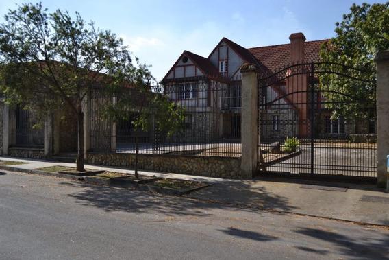 Casa - Mansión Estilo Tudor Inglesa En Guataparo