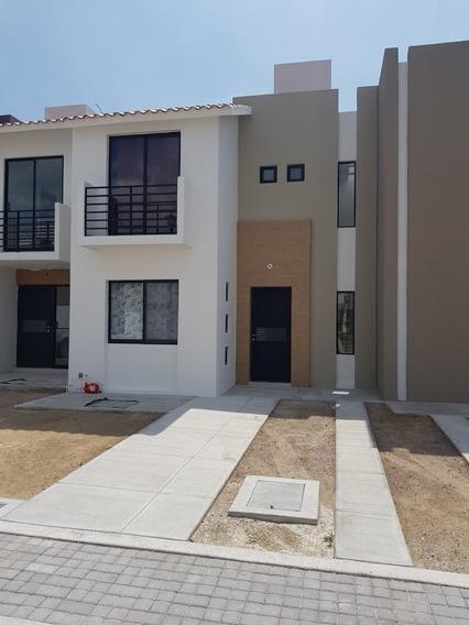 Casa Con 3 Recámaras Y 3 Baños Completos.