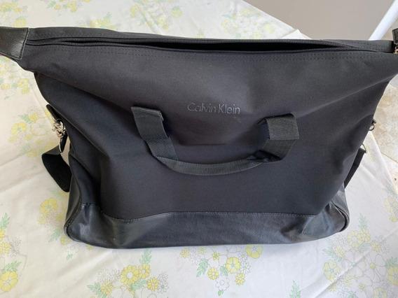 Bolso Impermeable Calvin Klein Negro - Muy Bueno